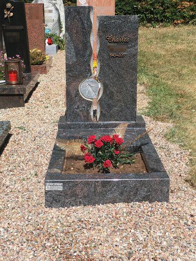 Urnengrab Www Grabsteinepfeiffer De 4